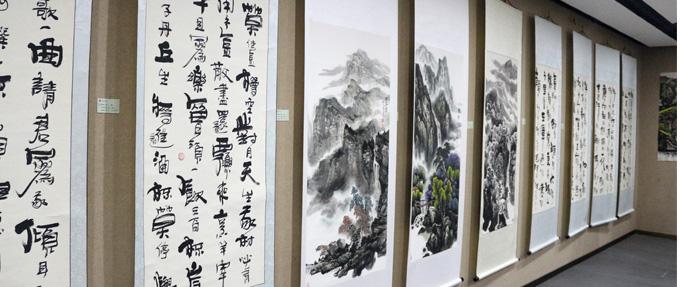 """中国策展人主要任务:""""打电话""""和""""卖画"""""""