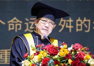 许江告别中国美术学院